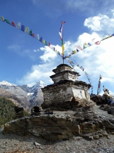 Stupa below Pisang Peak
